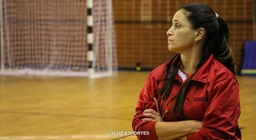Meg, técnica do Guarulhos. (foto arquivo Tchê Esportes)