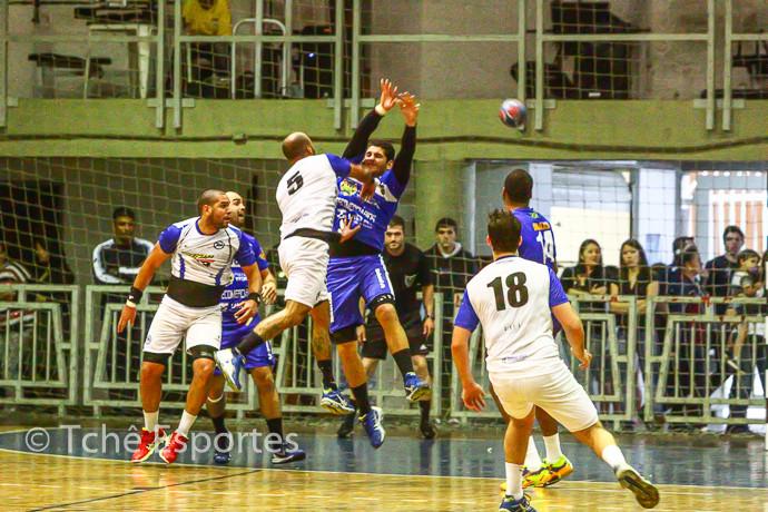 Final Masculina 2014: EC Pinheiros x Taubaté (foto arquivo Tchê Esportes)