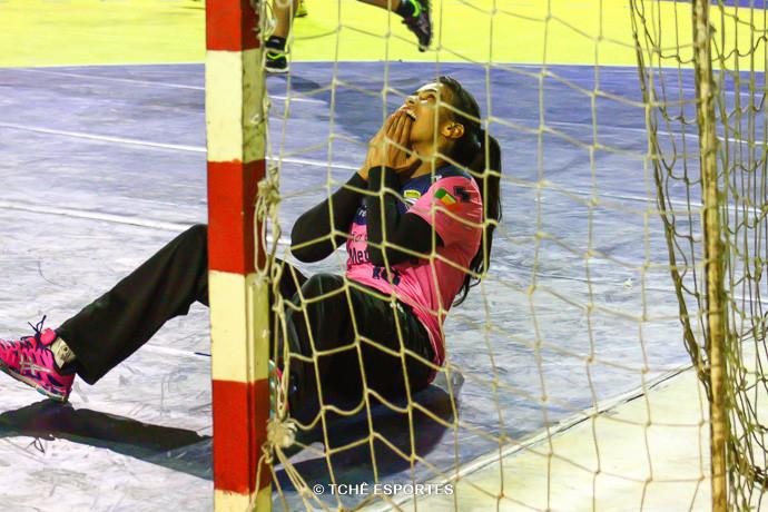 Ariadne, goleira da Metodista. (foto André Pereira / Tchê Esportes)