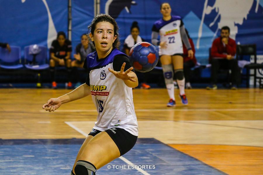 Gabriela Constantino, do Pinheiros. (foto André Pereira / Tchê Esportes)