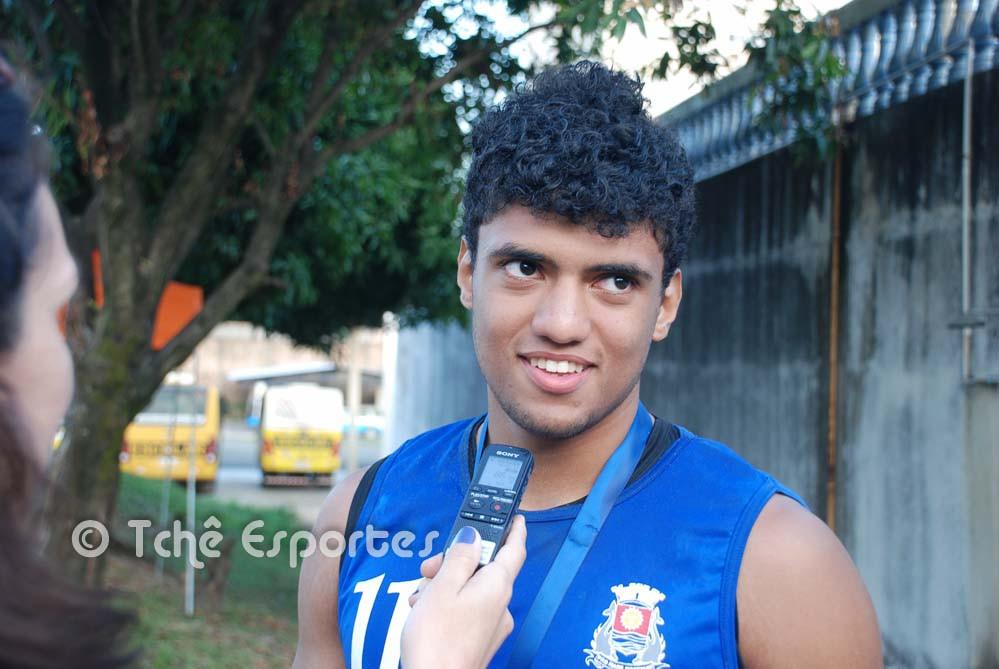 Fábio, Guarujá, artilheiro do campeonato,  com 51 gols. (foto André Pereira / Tchê Esportes)