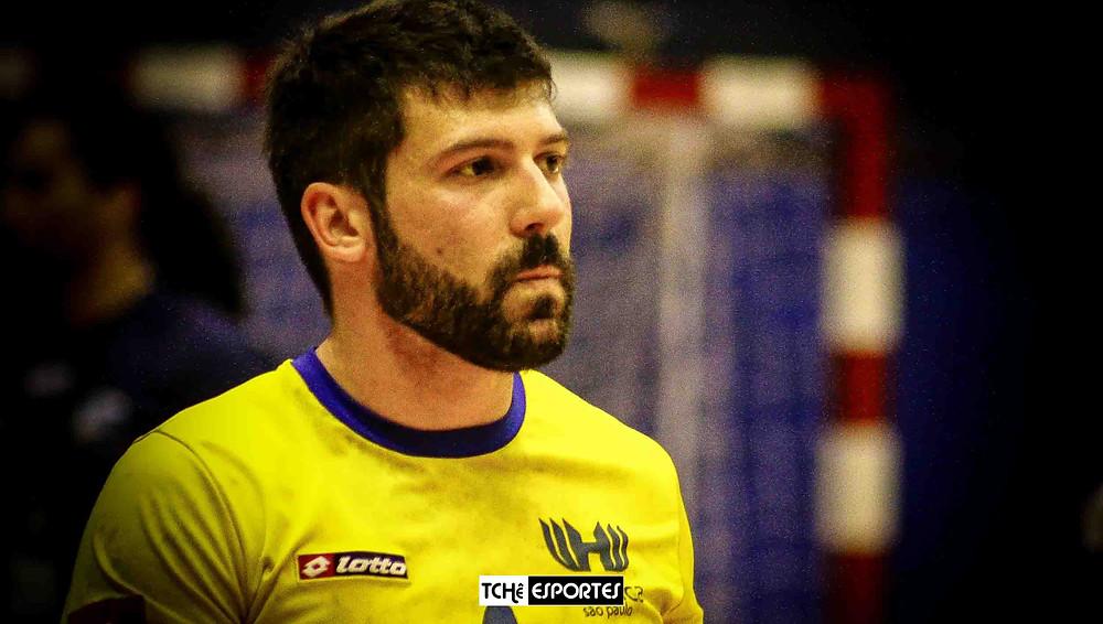 Guilherme Borin, técnico da Hebraica Infantil Masculino. (foto arquivo Tchê Esportes)