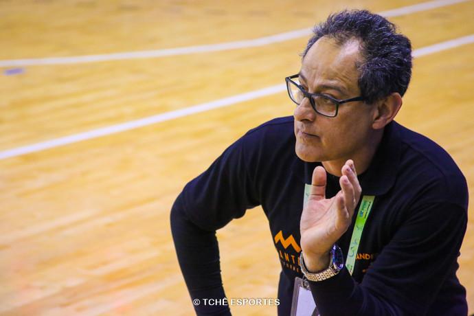 Washington Nunes, técnico do São Caetano. (foto André Pereira / Tchê Esportes)
