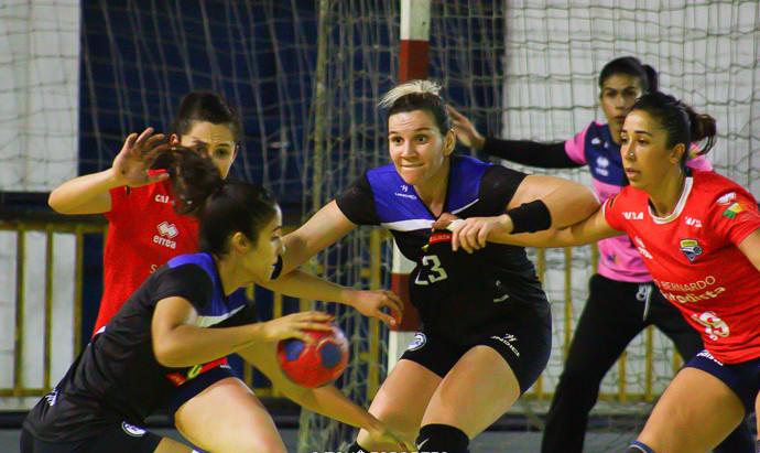 Metodista vence e garante vaga na semifinal do handebol feminino