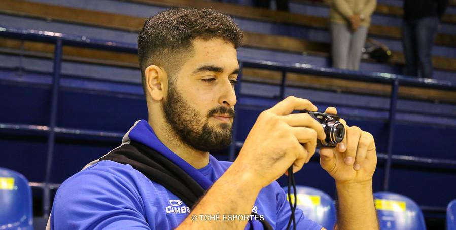 Leo Dutra, armador do EC Pinheiros, freelancer de fotógrafo. (foto André Pereira / Tchê Esportes)