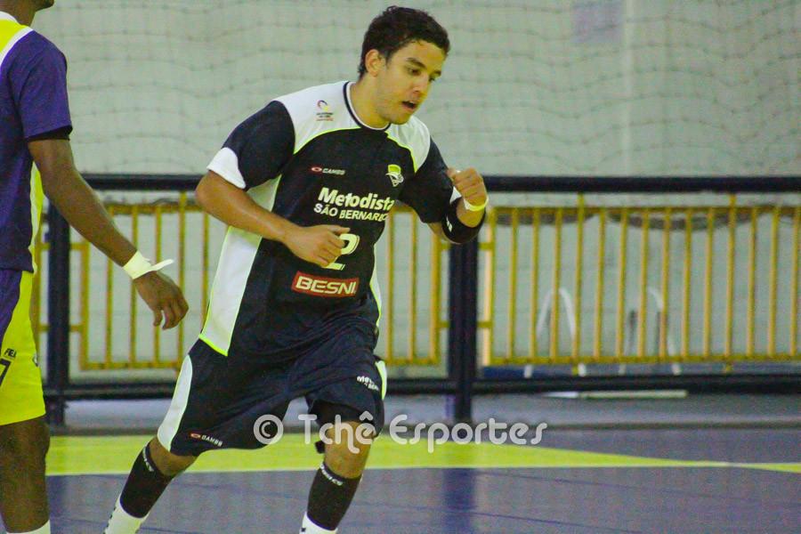 Matheus Dias, Metodista, foi o artilheiro no último confronto com 9 gols. (foto arquivo Tchê Esportes)