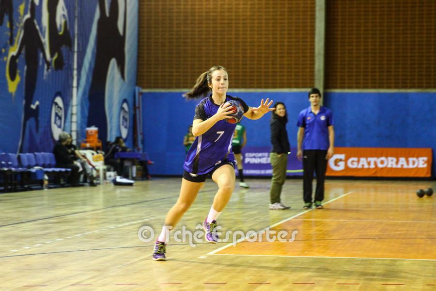 Isabelle Medeiros, artilheira do jogo. (foto André Pereira / Tchê Esportes)