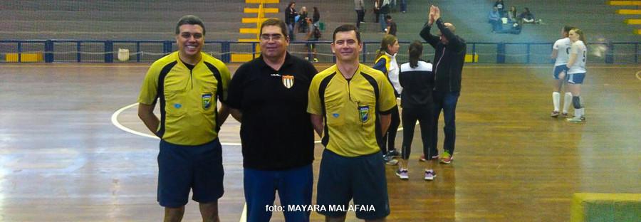 Rodrigo Araújo (árbitro), Bruno de Melo (Delegado FPHb) e  Roger Prado (árbitro). (foto Mayara Malafaia)