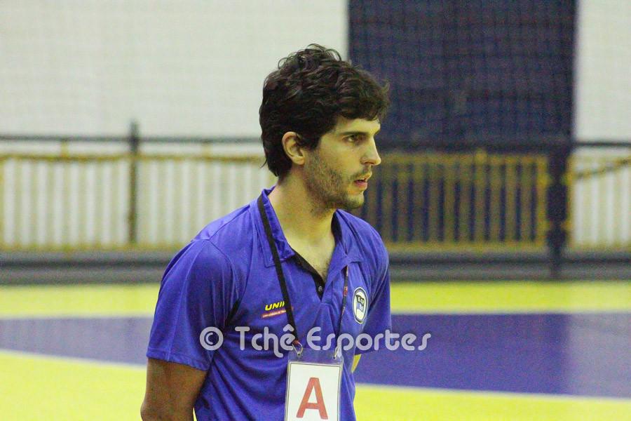 Alex Aprile, técnico do Pinheiros (foto André Pereira / Tchê Esportes)