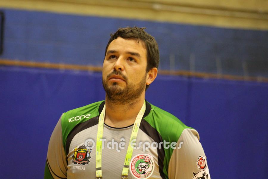 Daniel Setina, técnico do Jundiaí, em busca da primeira vitória. (foto arquivo Tchê Esportes)