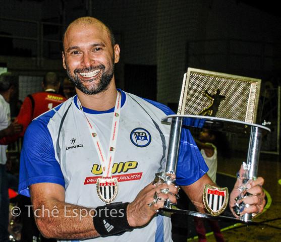 Vini (EC Pinheiros), artilheiro do jogo (foto arquivo Tchê Esportes)