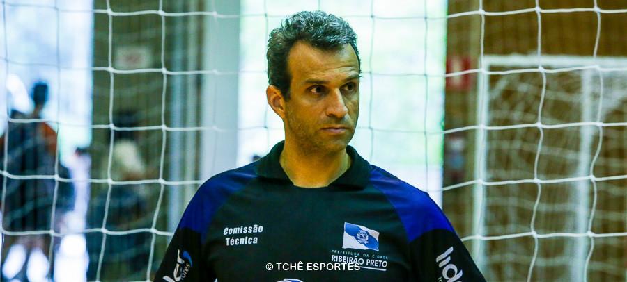 Miguel Jabur, técnico do Ribeirão Preto. (foto arquivo Tchê Esportes)