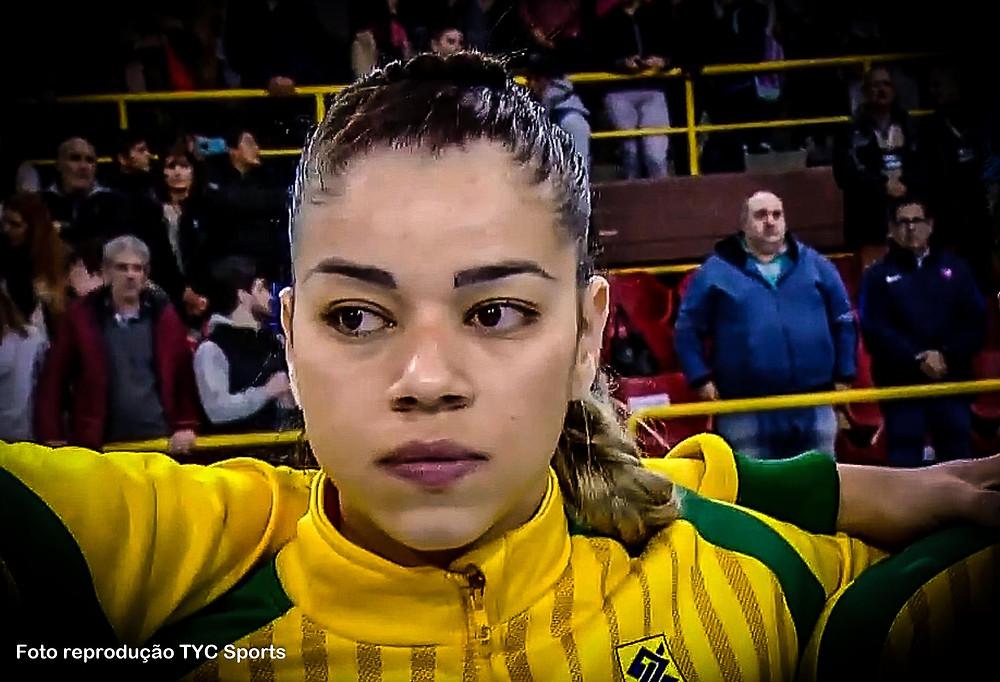 Jéssica Quintino, ponta direita do Brasil. (foto reprodução Tyc Sports)