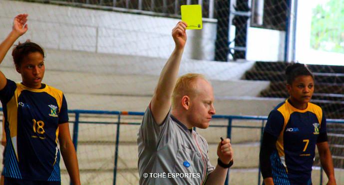 Rodolfo Costa, árbitro do jogo. (foto André Pereira / Tchê Esportes)