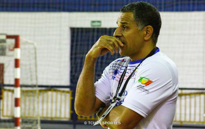 SB, técnico do Metodista. (foto André Pereira / Tchê Esportes)