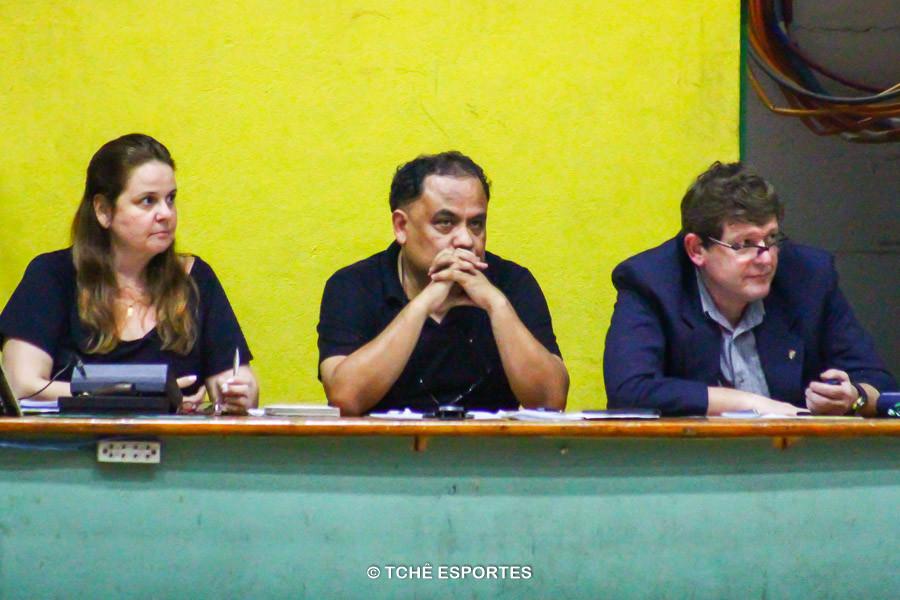 Monia Augusto, Fernando Nascimento e Antonio Ingles. (foto André Pereira / Tchê Esportes)