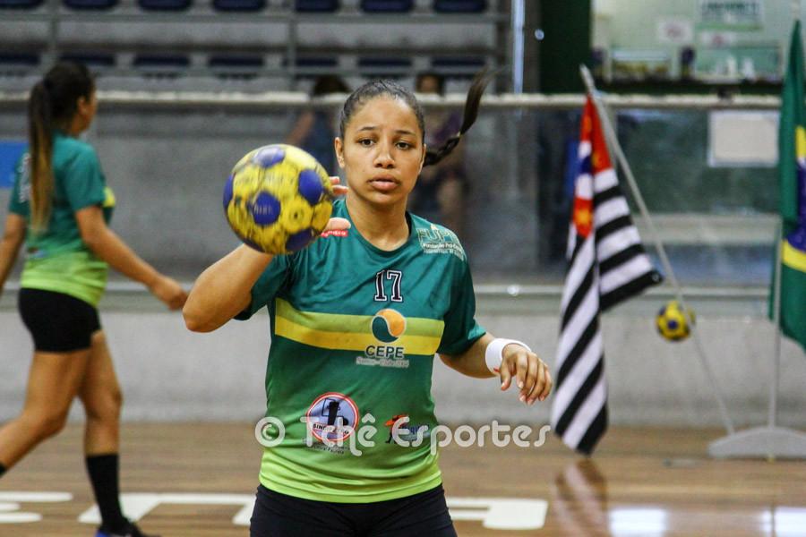 Bruna Dias, CEPE/Santos, artilheira do jogo com 8 gols. (foto André Pereira / Tchê Esportes)