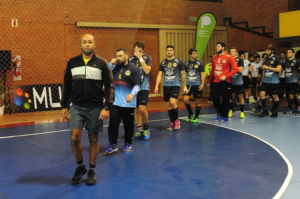 Rudnei Braga, árbitro brasileiro no Pan de Clubes 2017. (foto divulgação Femebal)