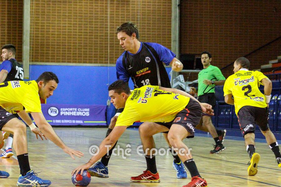 No primeiro confronto, EC Pinheiros venceu em casa. (foto arquivo Tchê Esportes)