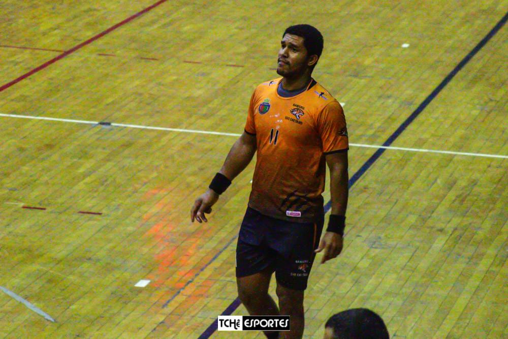 Felipe Braz, pivô do Pinheiros. (foto André Pereira / Tchê Esportes)