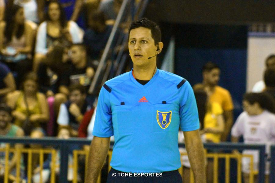 Daniel Magalhães, Arbitro. Foto: André Pereira / Tchê Esportes