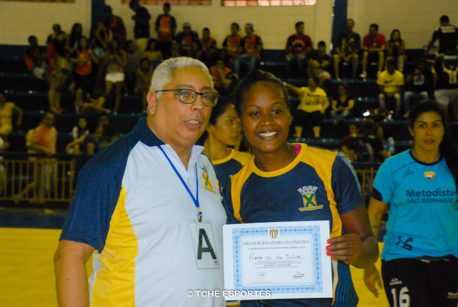 Destaque da partida: Flavia Silva, do Santo André. (foto André Pereira / Tchê Esportes)