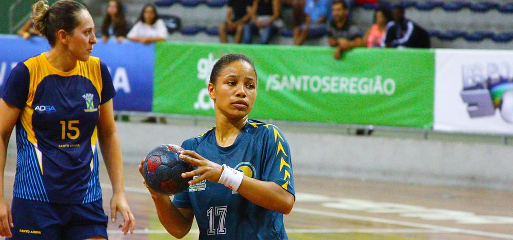 Bruna Dias, do CEPE/Santos, artilheira do jogo. (foto André Pereira / Tchê Esportes)