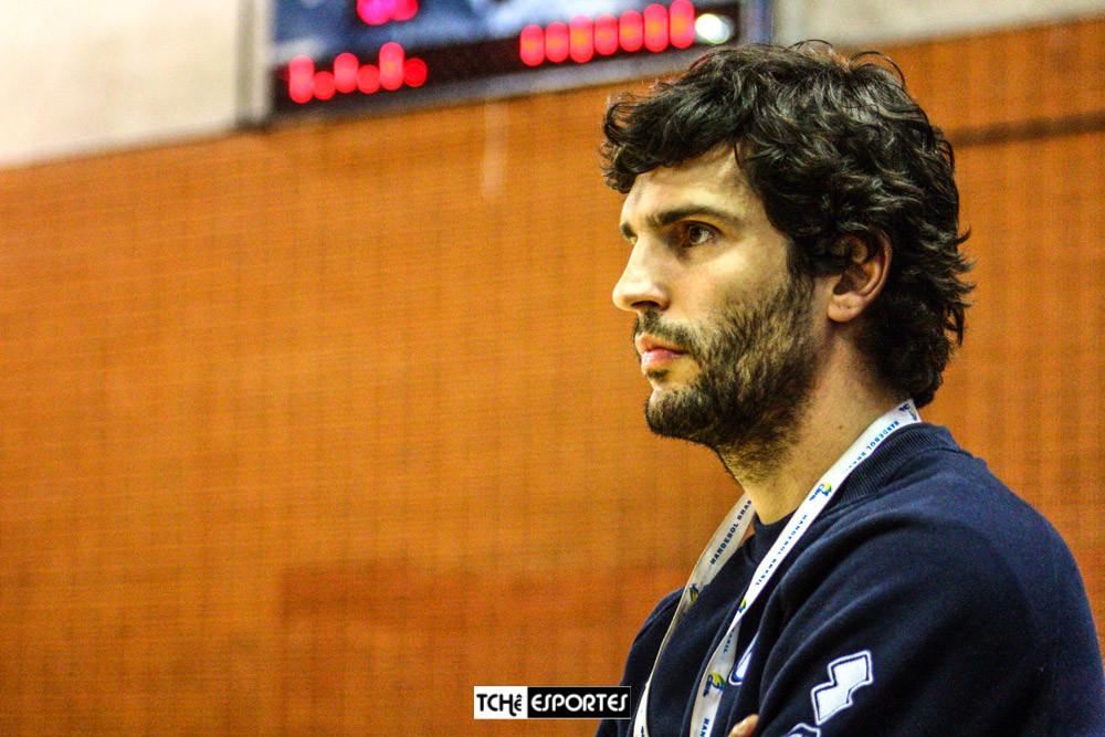 Alex Aprile, técnico do EC Pinheiros (SP). (arquivo Tchê Esportes)