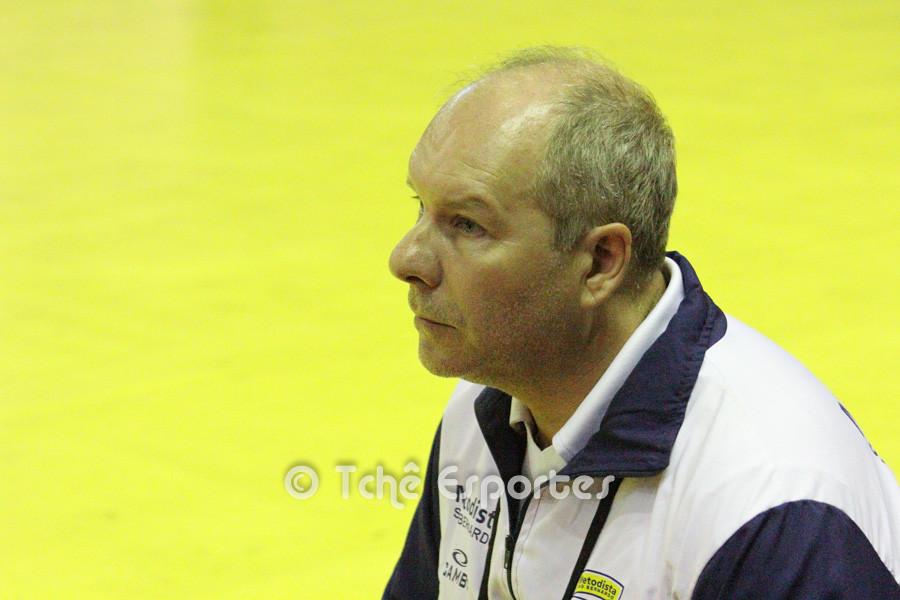 Eduardo Carlone, técnico da Metodista (foto André Pereira / Tchê Esportes)