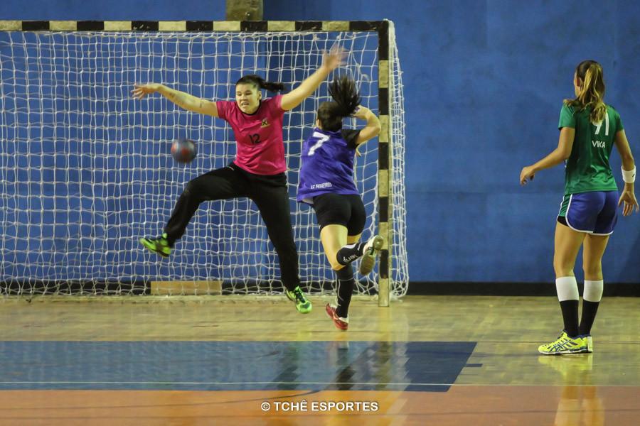 Naira, goleira do Santo André. (foto André Pereira / Tchê Esportes)