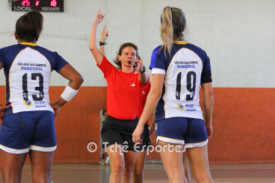 Dois minutos para Monica Gabriel (19), São José (foto André Pereira / Tchê Esportes)