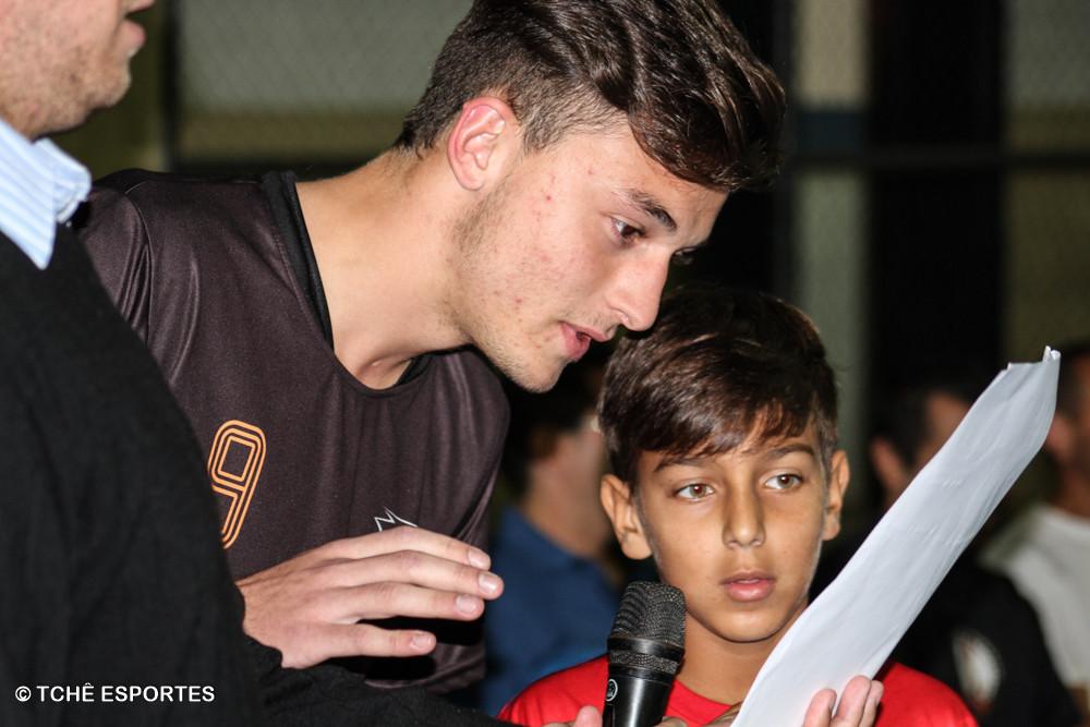 Juramento do atleta, Mateus Marin e Marcos Vinícius Silva. (foto André Pereira / Tchê Esportes)