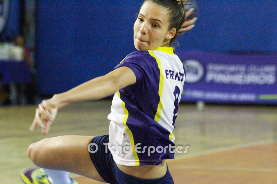 Ruana, Franca, em busca de gols. (foto arquivo Tchê Esportes)
