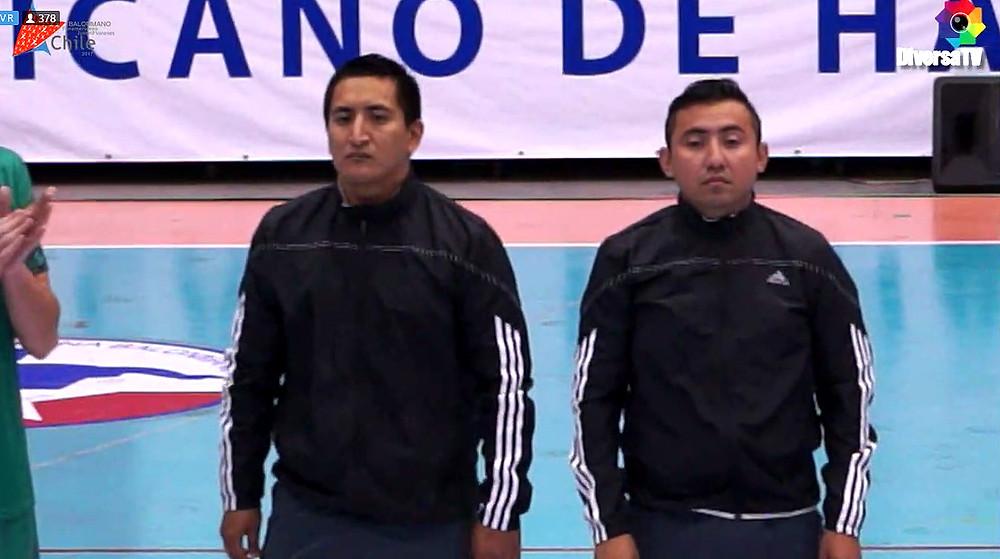 árbitros do jogo. (foto reprodução DiversiaTV)
