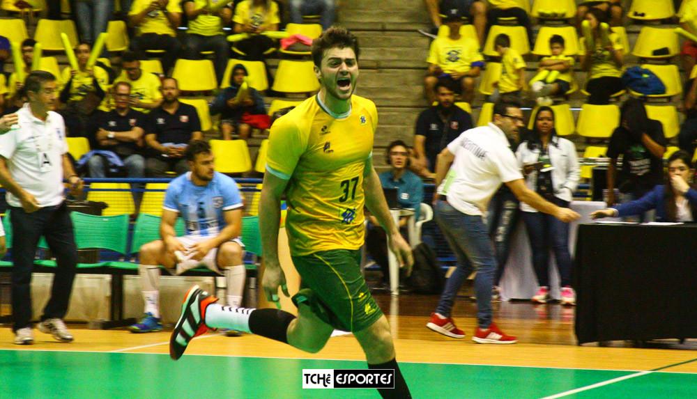 Haniel Langaro, armador da Seleção Brasileira. (foto André Pereira / Tchê Esportes)