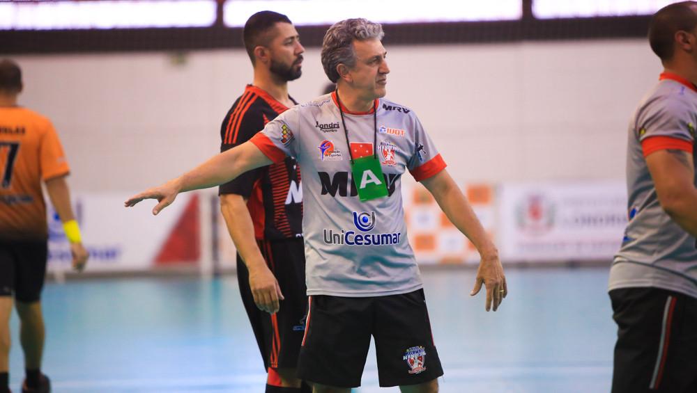 Giancarlos Ramirez, técnico do Londrina (PR). (foto Cinara Piccolo/Photo&Grafia)