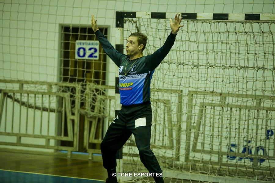 Roney Franzini, do São Caetano, destaque da partida. (foto arquivo Tchê Esportes)