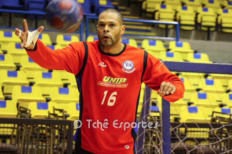 Marcão, goleiro do Pinheiros. (foto arquivo Tchê Esportes)