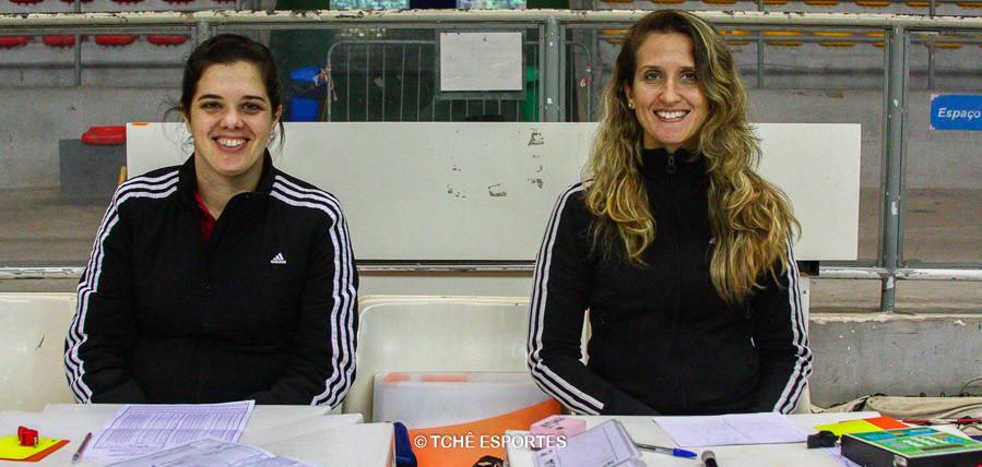 Claudia Mota, secretária e Nathália Hupsel, cronometrista. (foto André Pereira /Tchê Esportes)