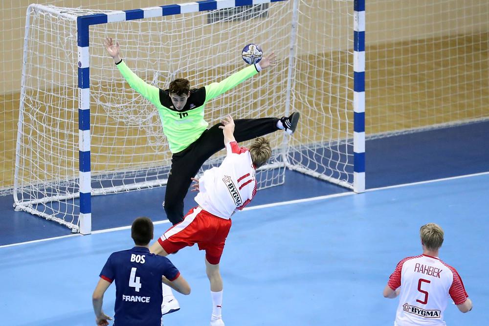Valentin Kieffer, goleiro da França. (Divulgação IHF)