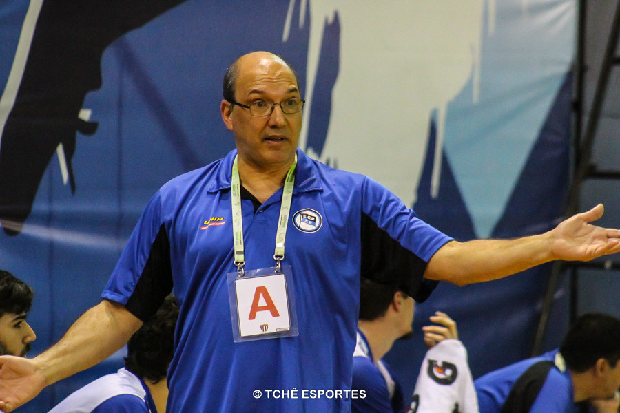 Sergio Hortelan, técnico do EC Pinheiros. (foto André Pereira / Tchê Esportes)