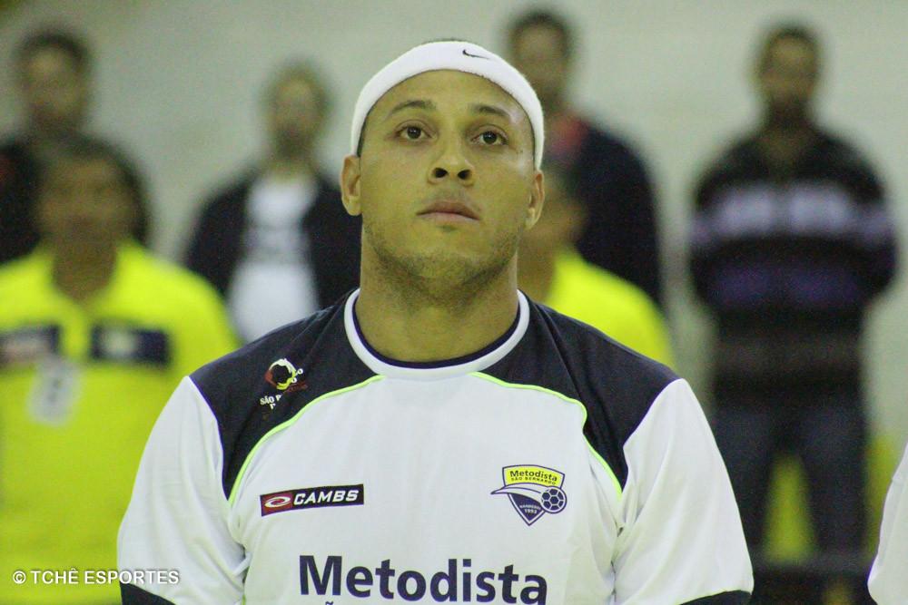 Carlos Alberto Castillo, Metodista, está fora por lesão. (foto arquivo Tchê Esportes)