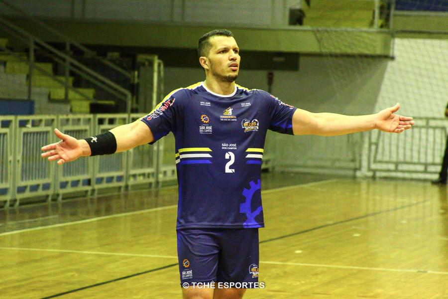 Jackson Souza, do São José, artilheiro do jogo, com 8 gols. (foto André Pereira / Tchê Esportes)