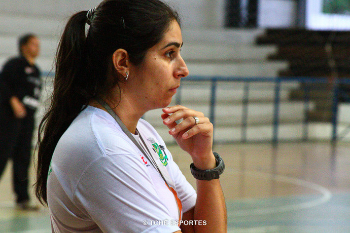 Renata Hernandes, técnica do Osasco. (foto André Pereira / Tchê Esportes)