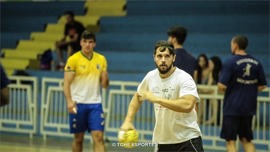 Diogo Hubner defende o São Caetano em 2016. (foto reprodução Agno Raiz / Tchê Esportes)