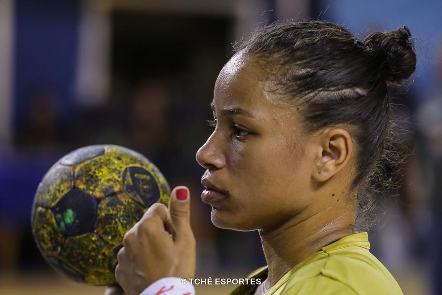 Bruna Dias, armadora do Santos. (foto arquivo Tchê Esportes)