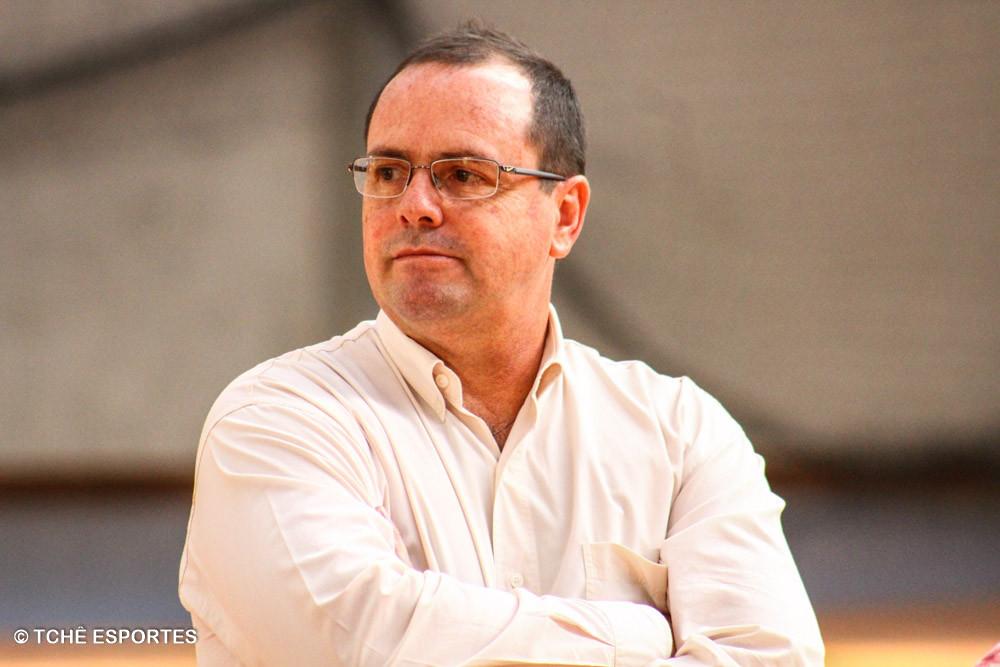 Rogério Fiacadori, Diretor de Arbitragem da FPHb. (foto André Pereira /Tchê Esportes)