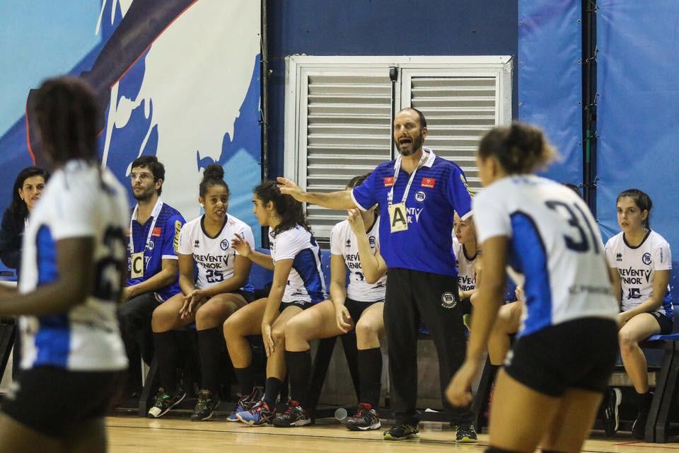 Mauricio Antonucci, técnico do Pinheiros. (foto divulgação CBHb)