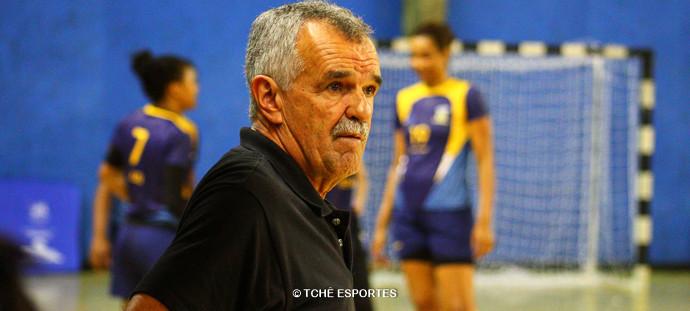 Lima rosa, delegado da partida. (foto André Pereira / Tchê Esportes)