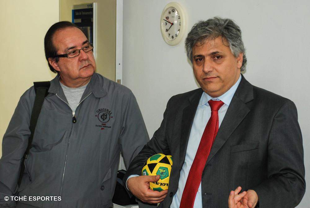 Marcos Barreiro (esquerda), historiador.  (foto André Pereira / Tchê Esportes)